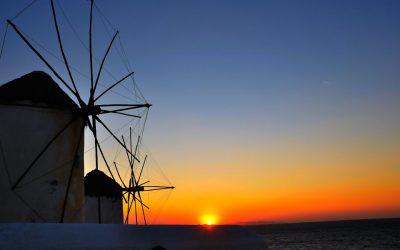 Most Romantic & Adventurous Mykonos Honeymoon Options